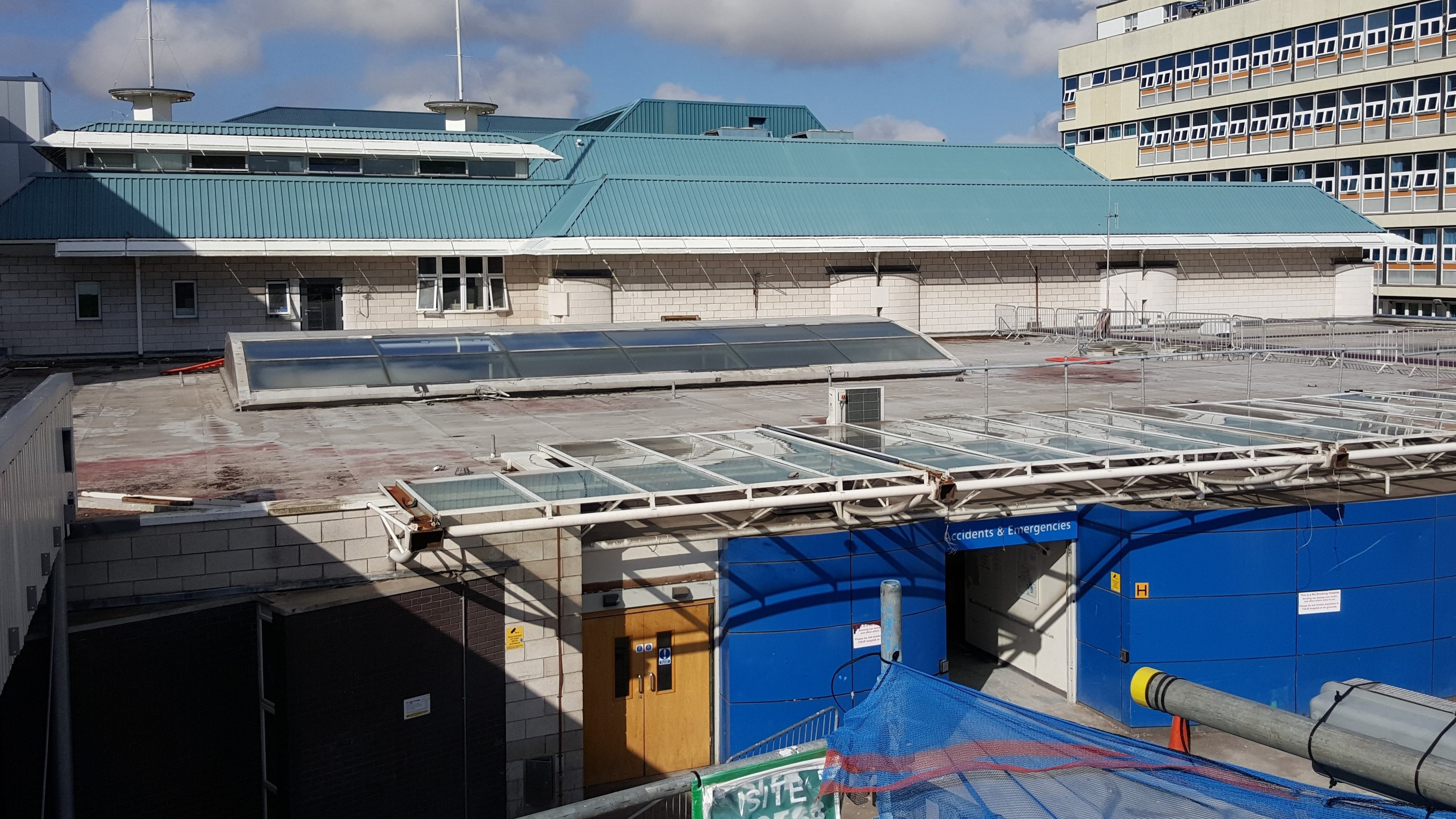 Aintree Hospital Reynolux Roofing Cladding Longworth Aintree Hospital Liverpool Fatra Optimo Traditional Textures (11)